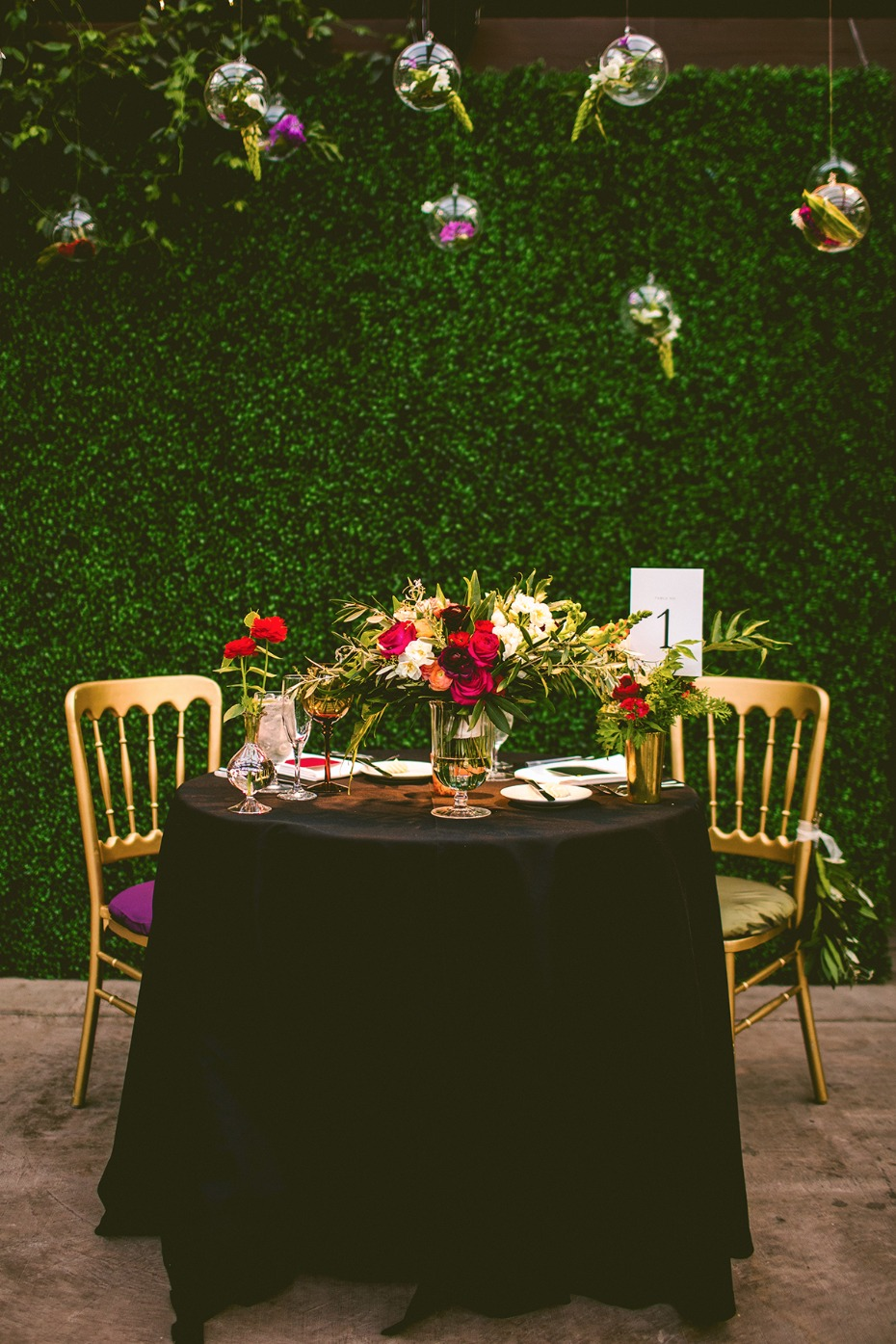 Gorgeous + unique sweetheart table