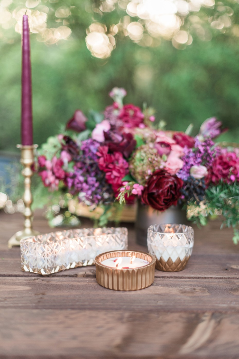 gold and magenta wedding table decor