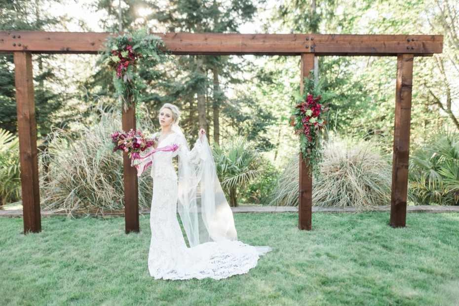 modern rustic wedding arch