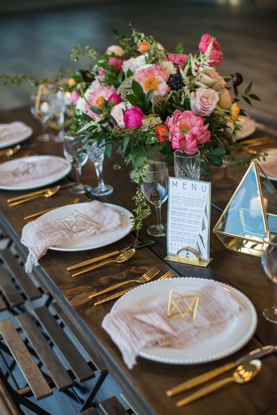 gold and blush modern wedding table decor