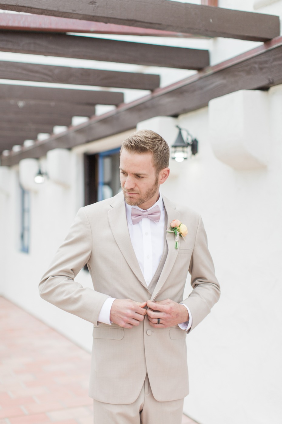 Beach wedding look for the groom