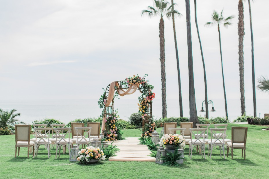 Gorgeous oceanfront wedding ideas
