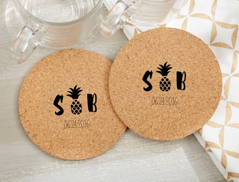 🍹 Even if your bridal shower or wedding doesn't take place under pineapple trees on the beach, you can bring the tropics to your