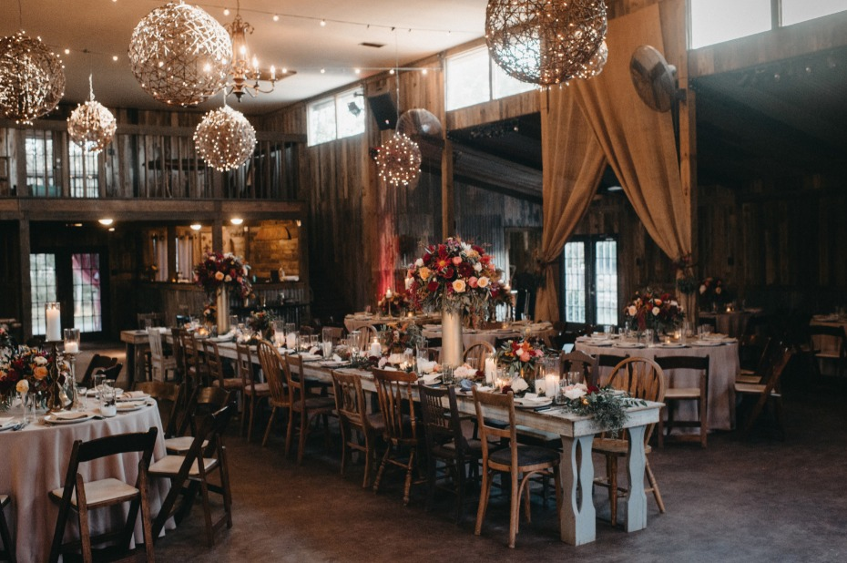 Moody fall reception with rustic details
