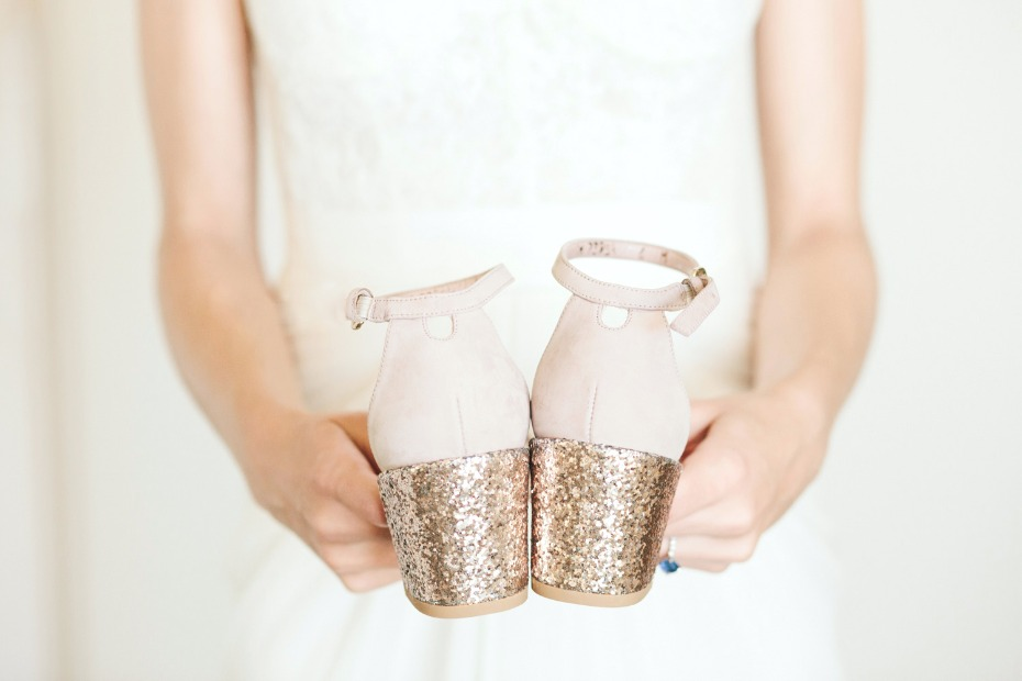 gold heeled wedding shoes