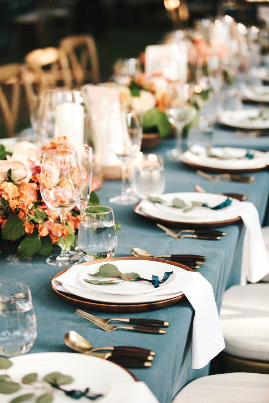 white copper and blue wedding table