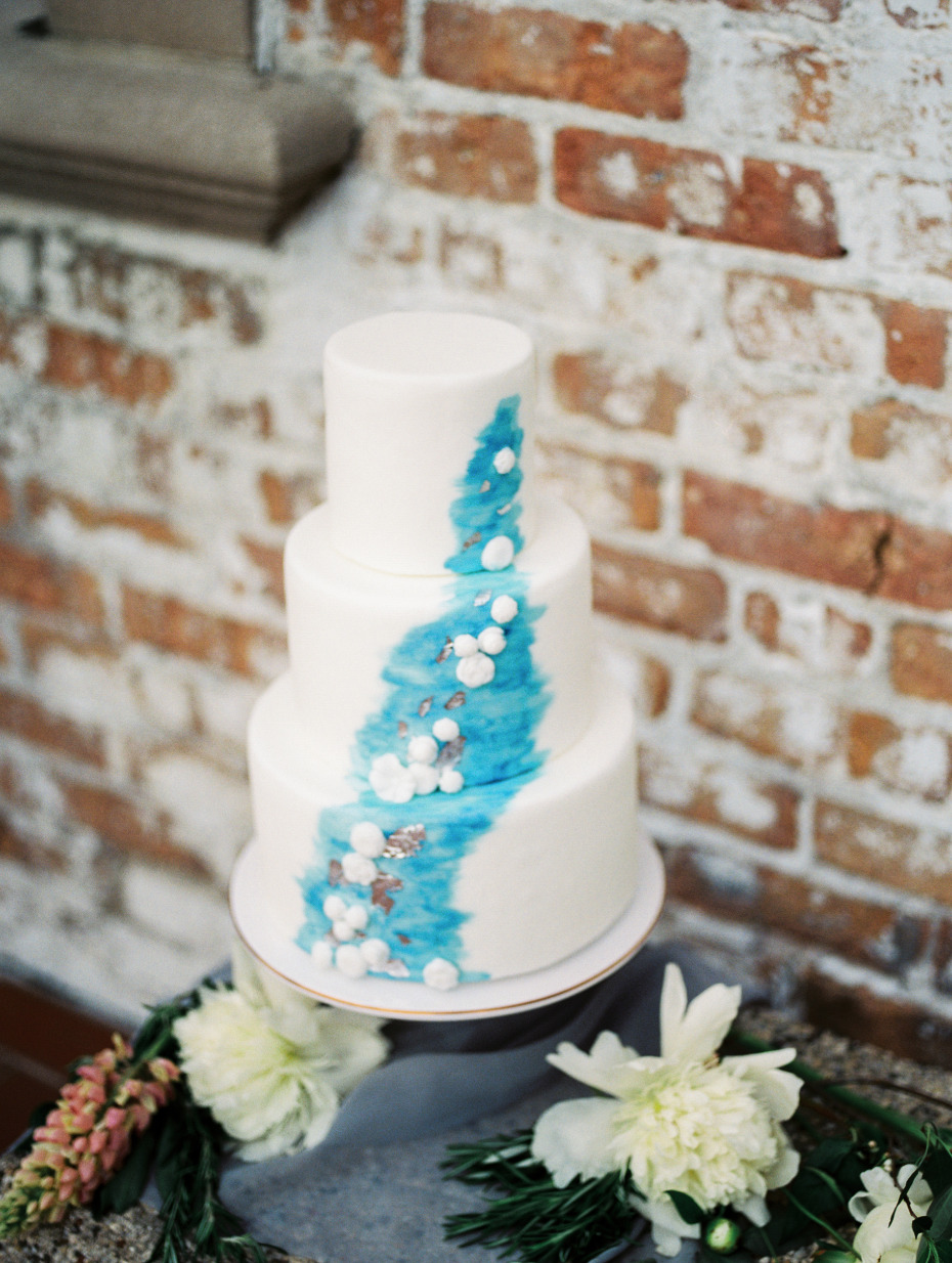 Yield Bakehouse designed this stunning 3 tiered wedding cake.