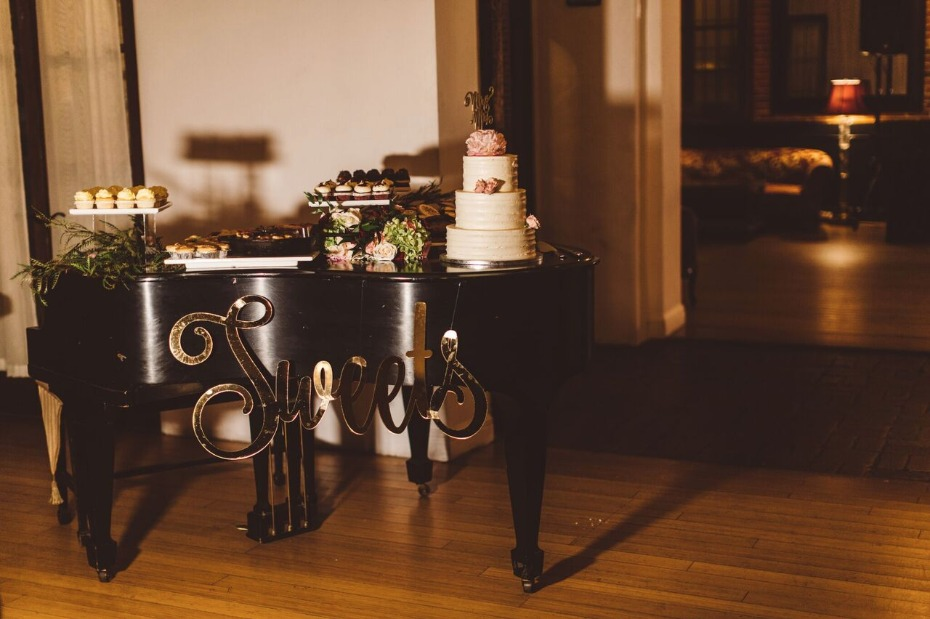 grand piano dessert table