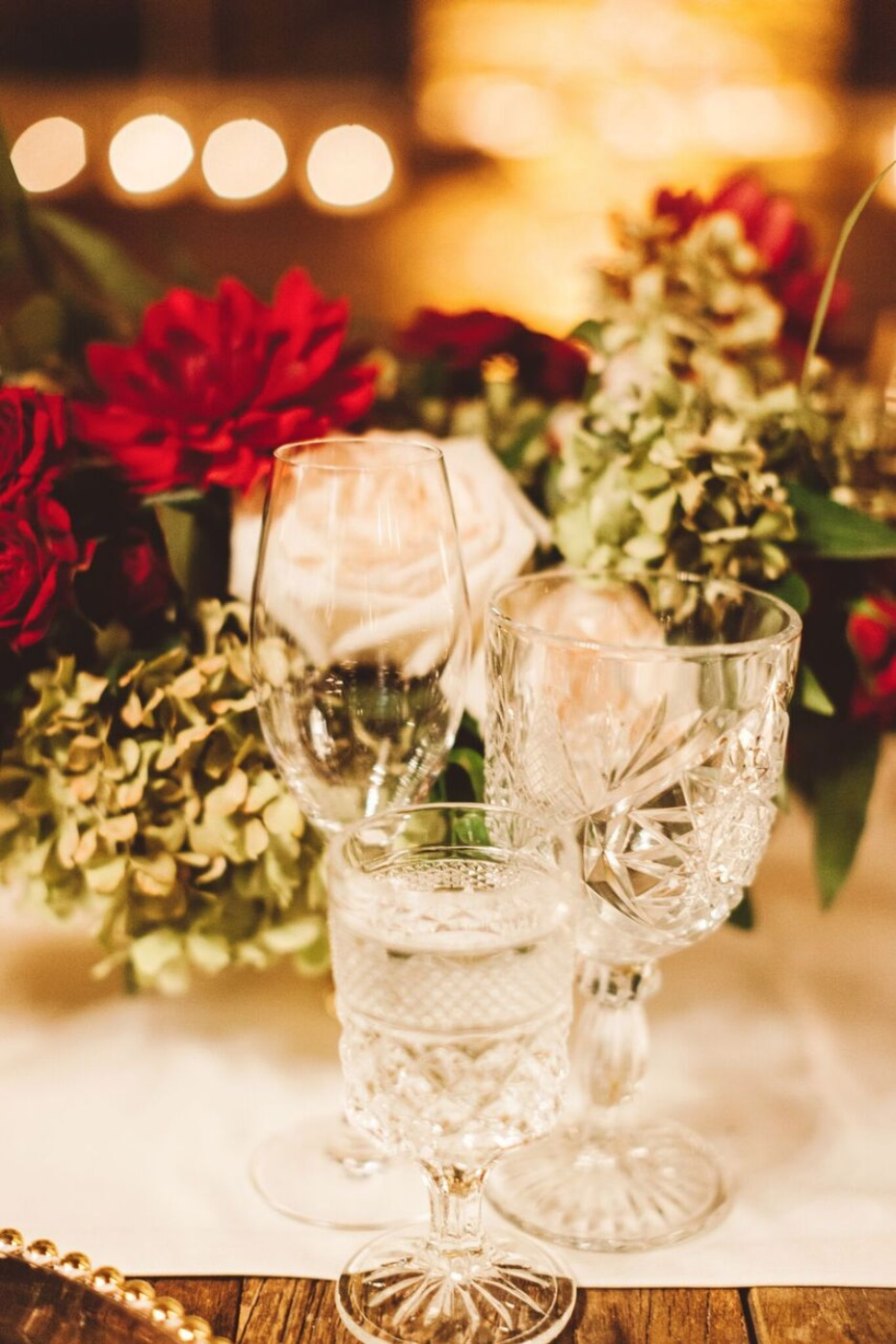 wedding table glasses