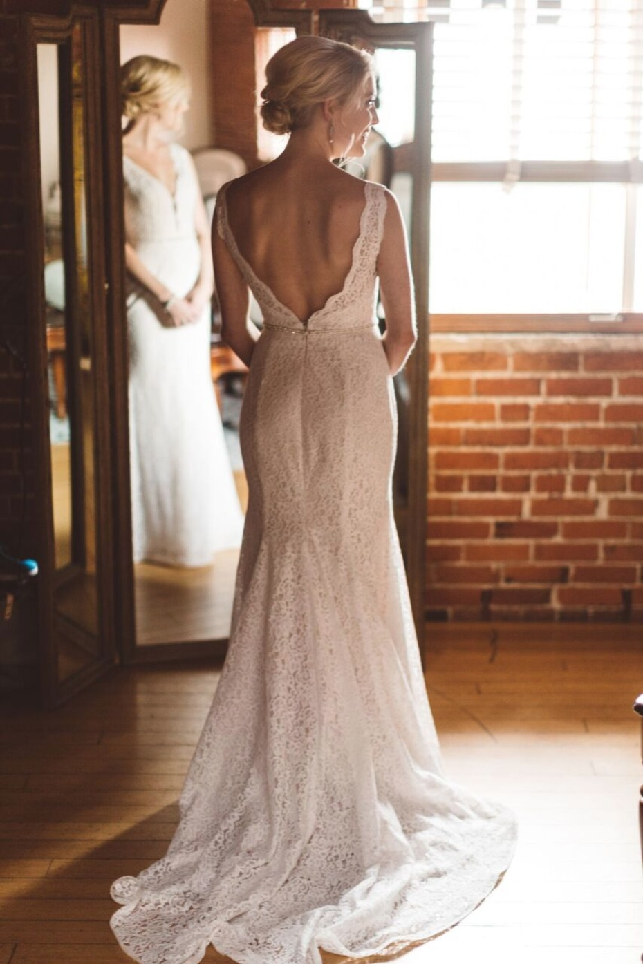 elegant and classic wedding dress