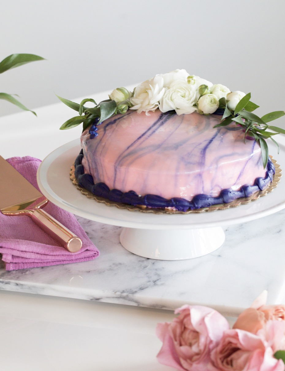 pink and purple marble cake stand