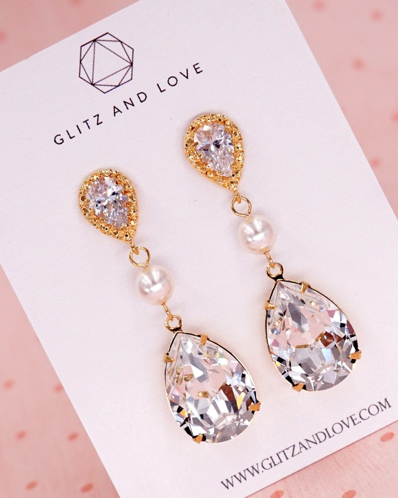Gold Earrings with Pearl and Swarovski Crystal, brides, bridesmaid, bridal shower gifts, wedding jewelry, www.glitzandlove.com