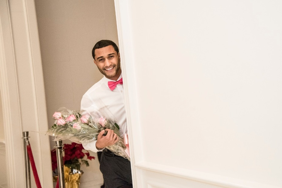 This groom is about to surprise his bride