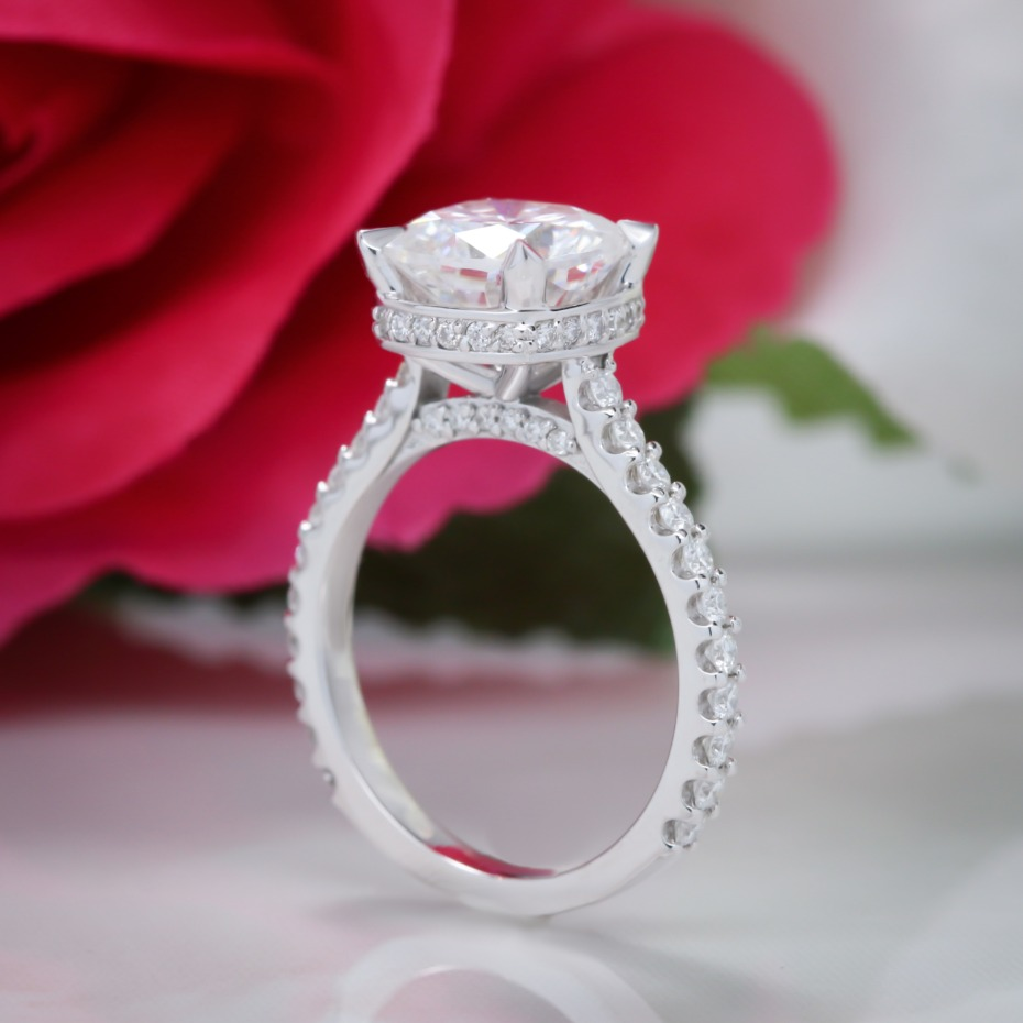 5 Engagement Rings You Would Never Guess Are Moissanite
