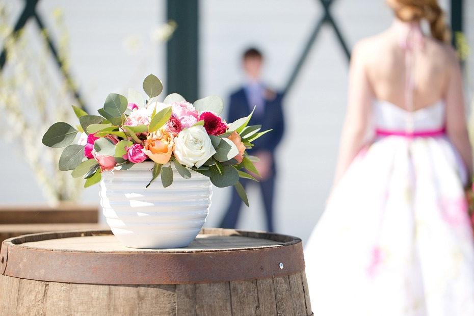Simple and chic floral arrangement