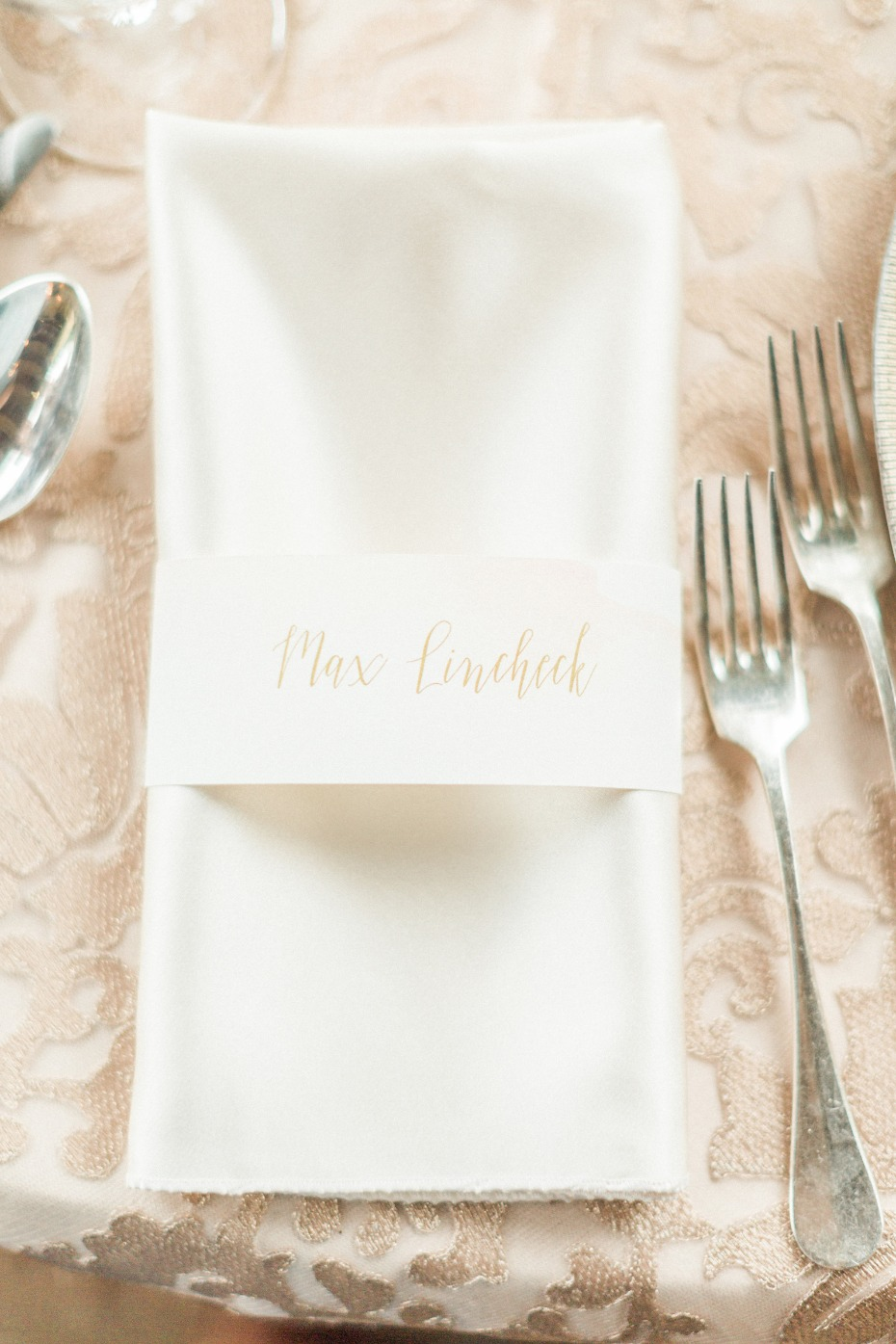 place card and linens