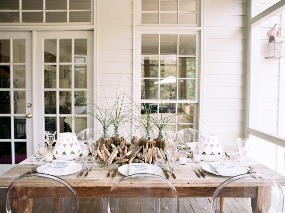 neutral beach themed table