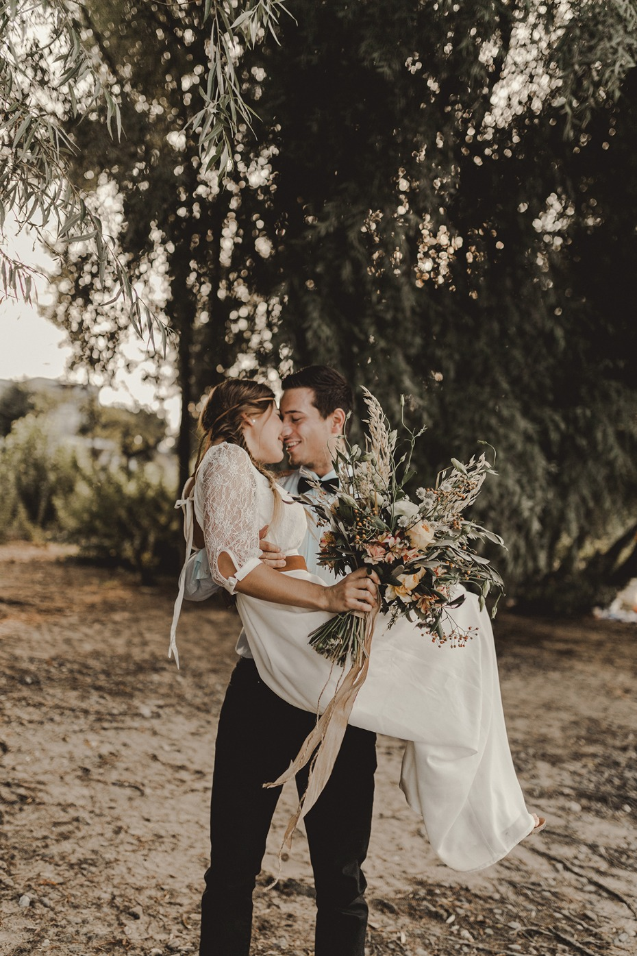 Elopement wedding ideas from simple to planned out.