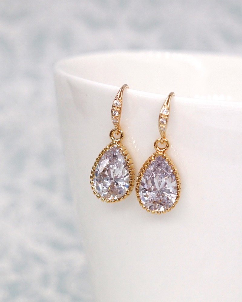 Simple gold teardrop earrings, for brides and bridesmaids, bridal shower gifts, wedding jewelry, cubic zirconia, www.glitzandlove.com