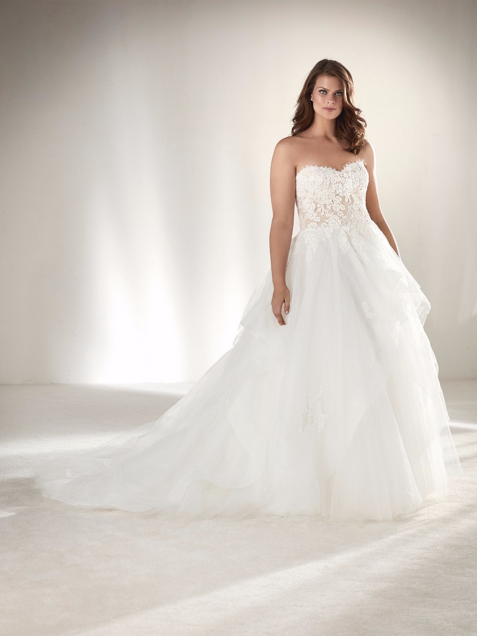 Plus sizes dresses for a wedding