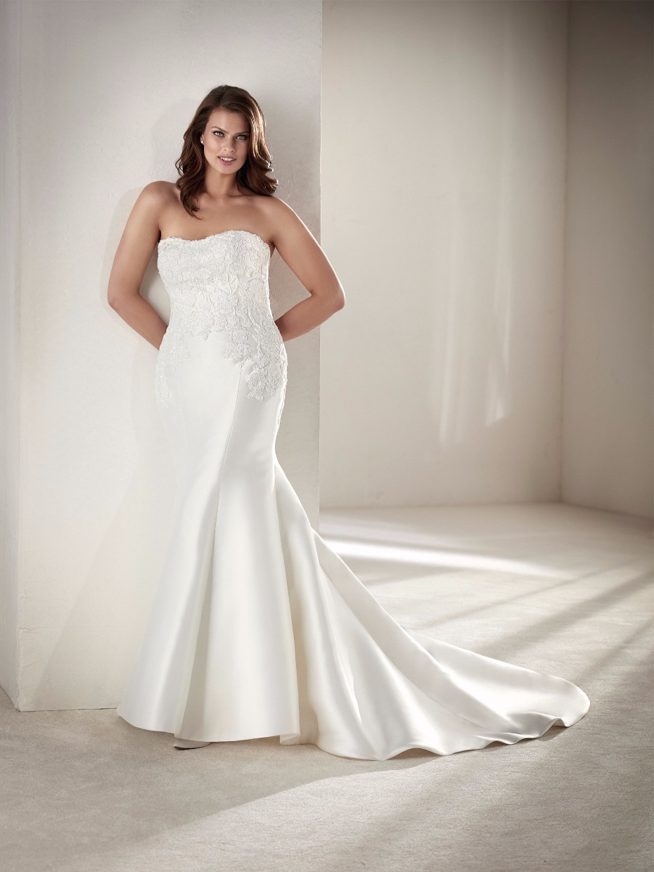 strapless flatter figuring plus size wedding dress