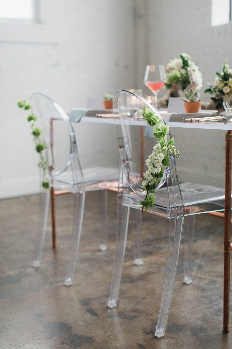 Modern clear chairs for the sweetheart table