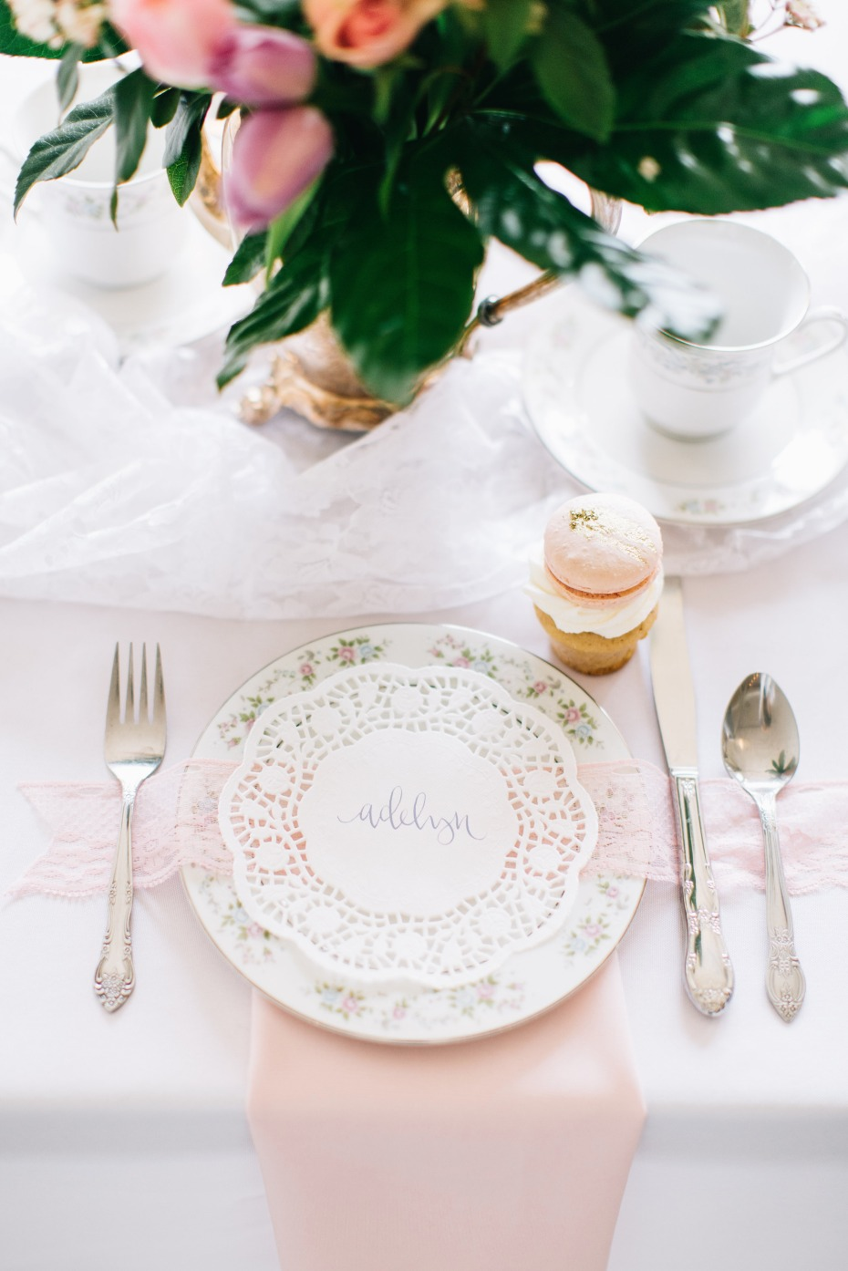 elegant and classic pink and white table setting