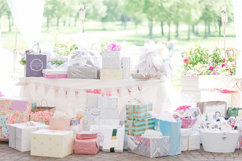 shower the bride to be in gifts