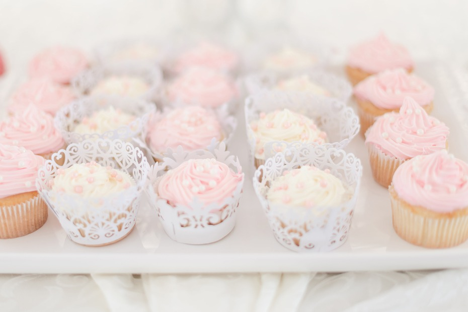 blush and ivory cupcakes