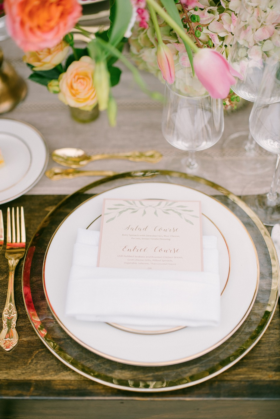 gold and white classy wedding place setting