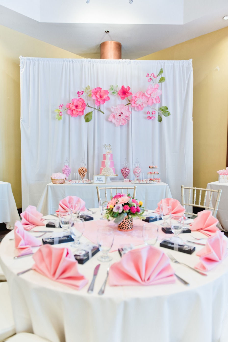 pink and gold bridal shower idea