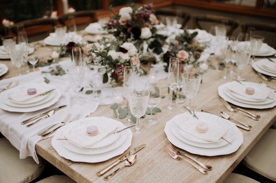 Vintage chic table setting