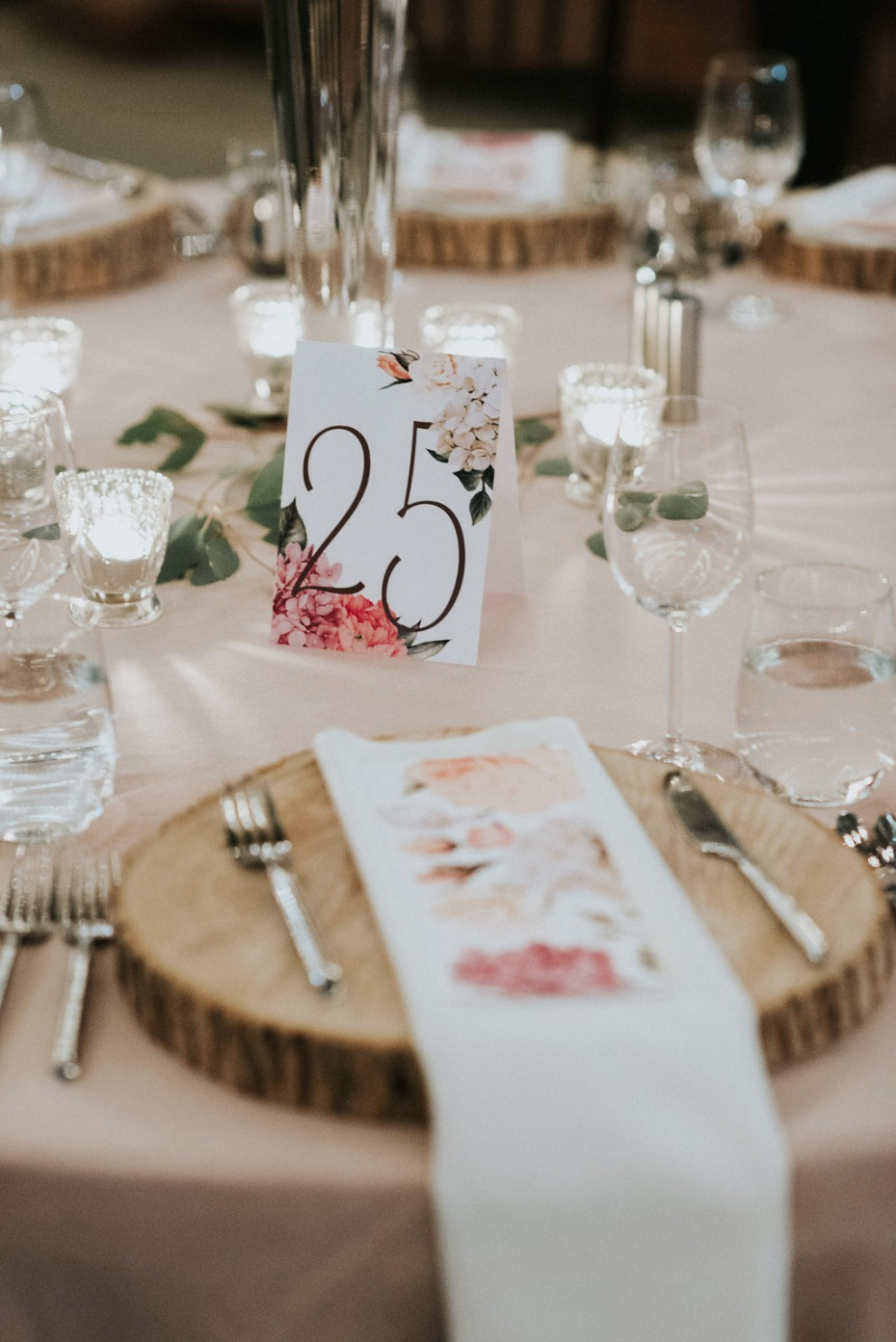 floral and rustic wedding table decor