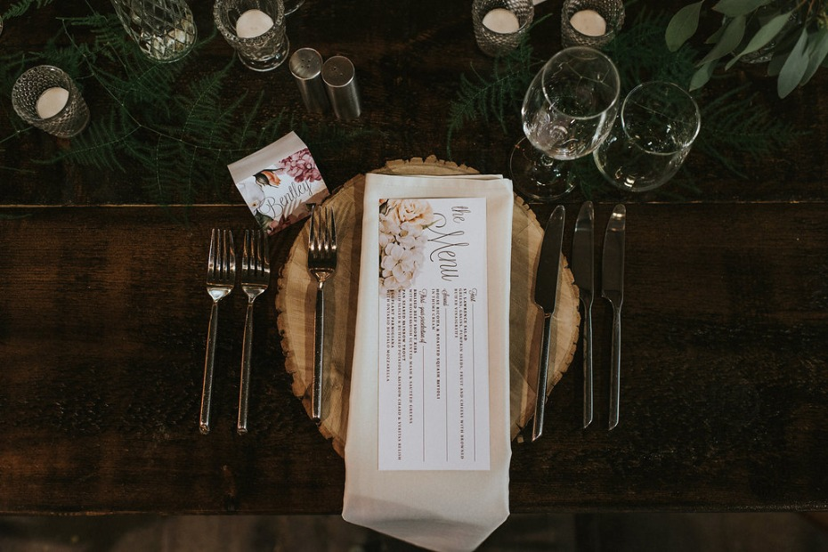 rustic chic wedding table setting