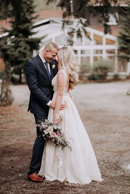 Gallery Charming Woodsy Wedding Inspiration With Vintage