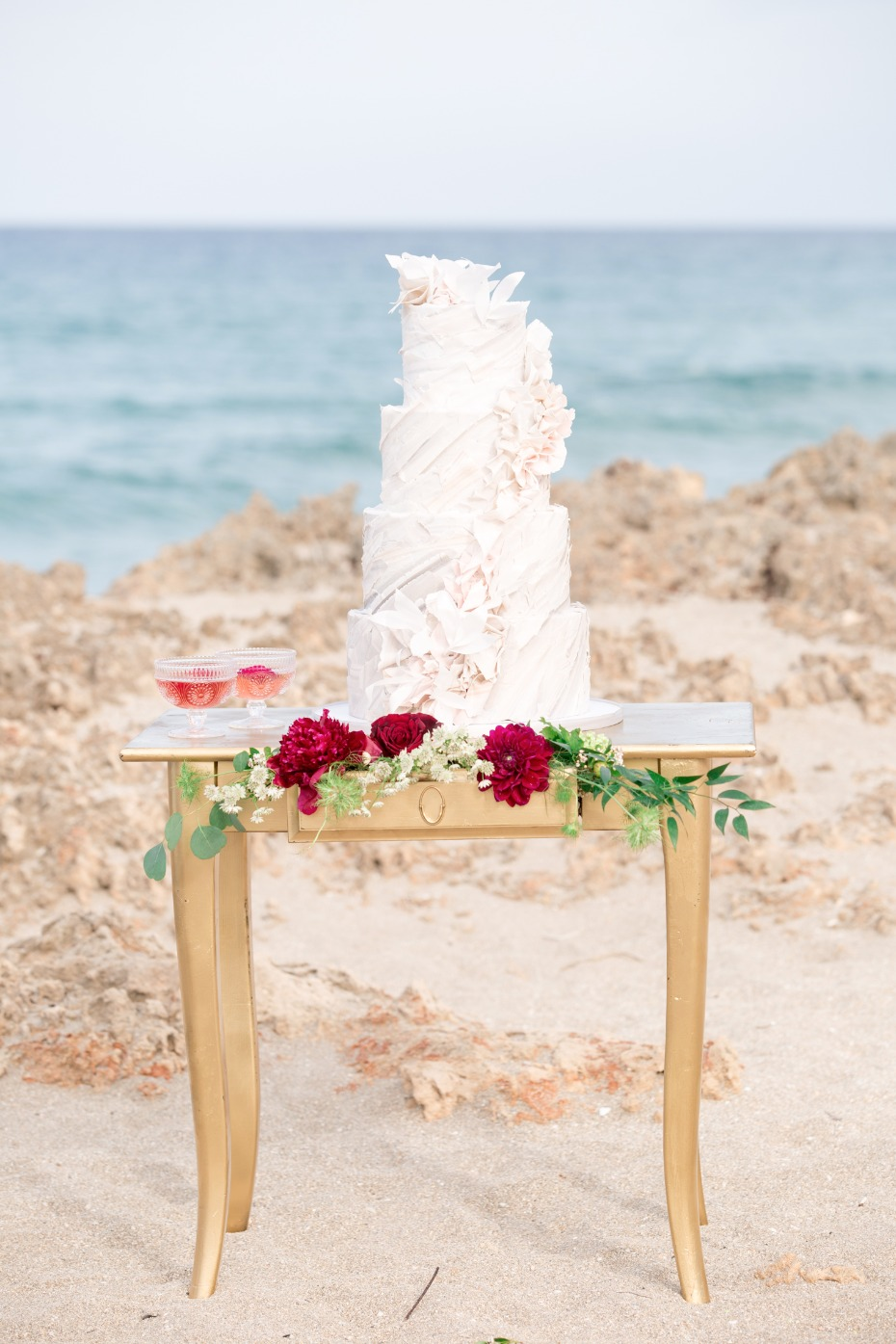 wedding cake for your beach boho wedding
