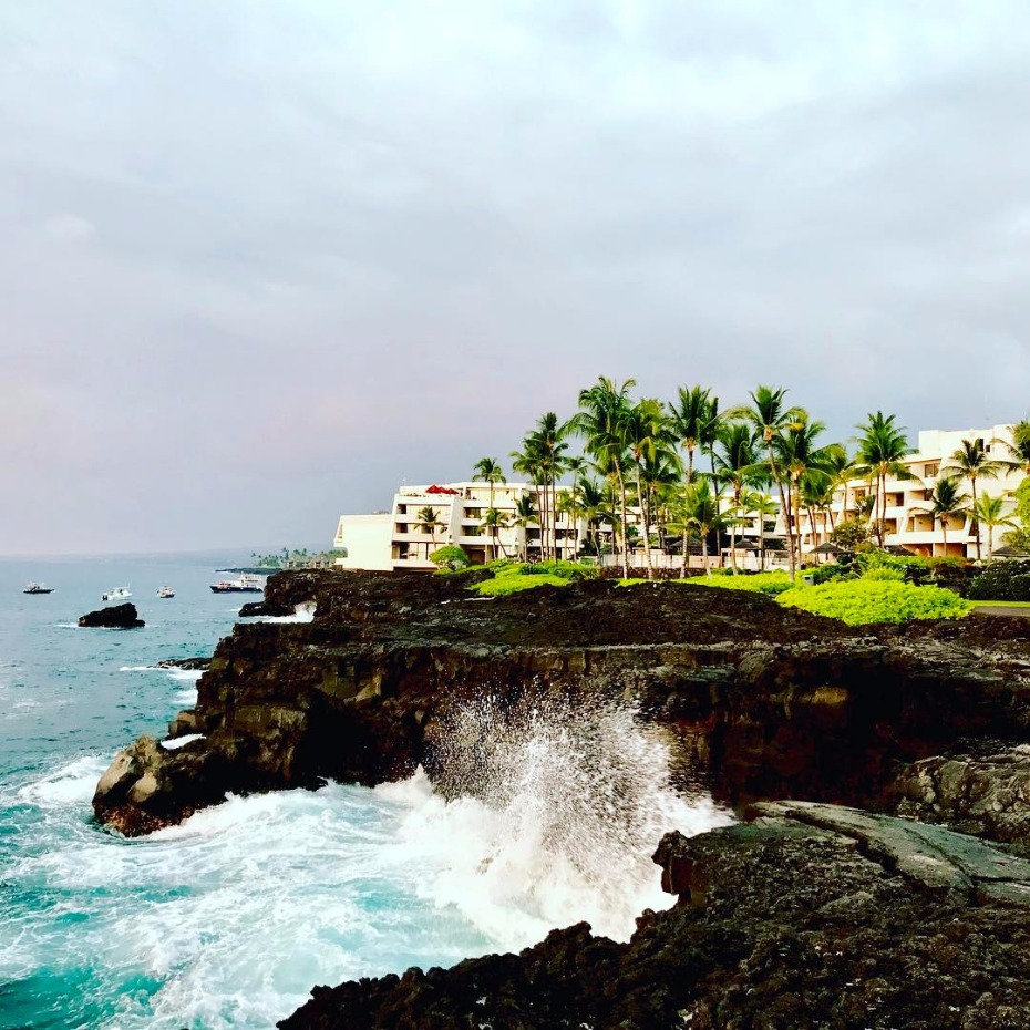 Destination wedding at the Sheraton Kona Resort & Spa