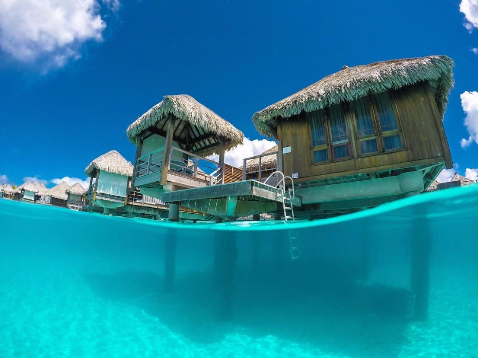Have your honeymoon in Bora Bora for FREE