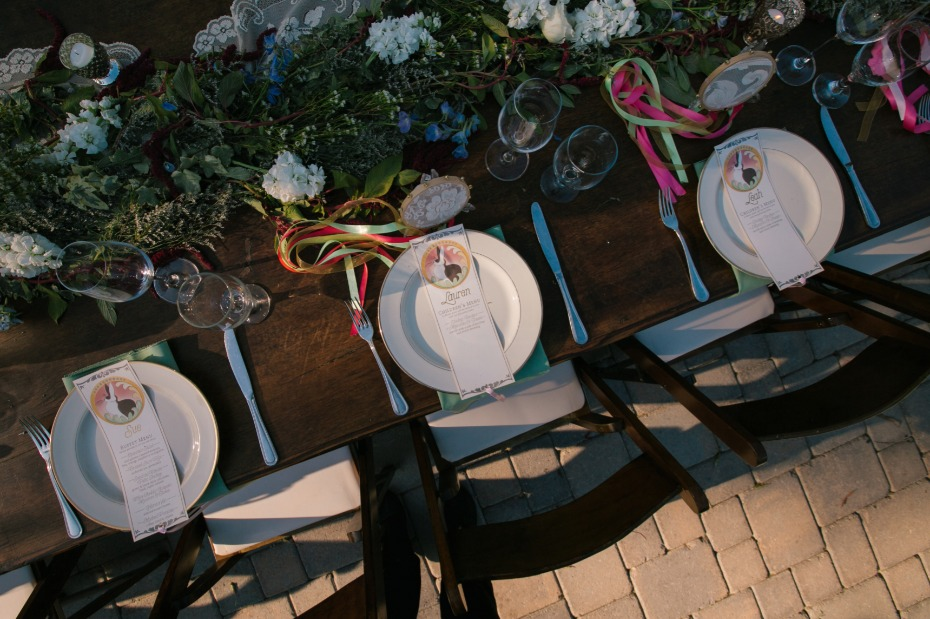 place setting for your garden wedding