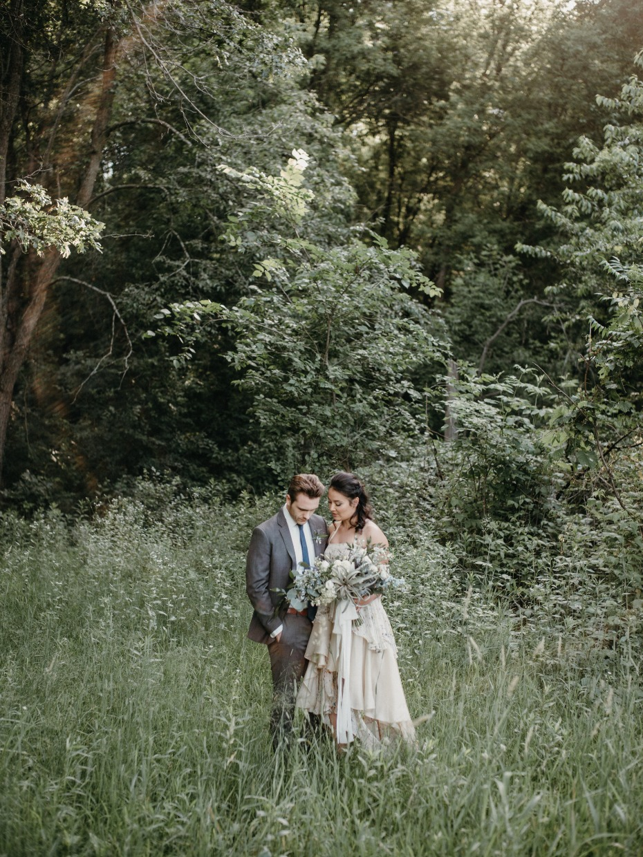 Beautiful woodsy wedding ideas for the outdoorsy couple