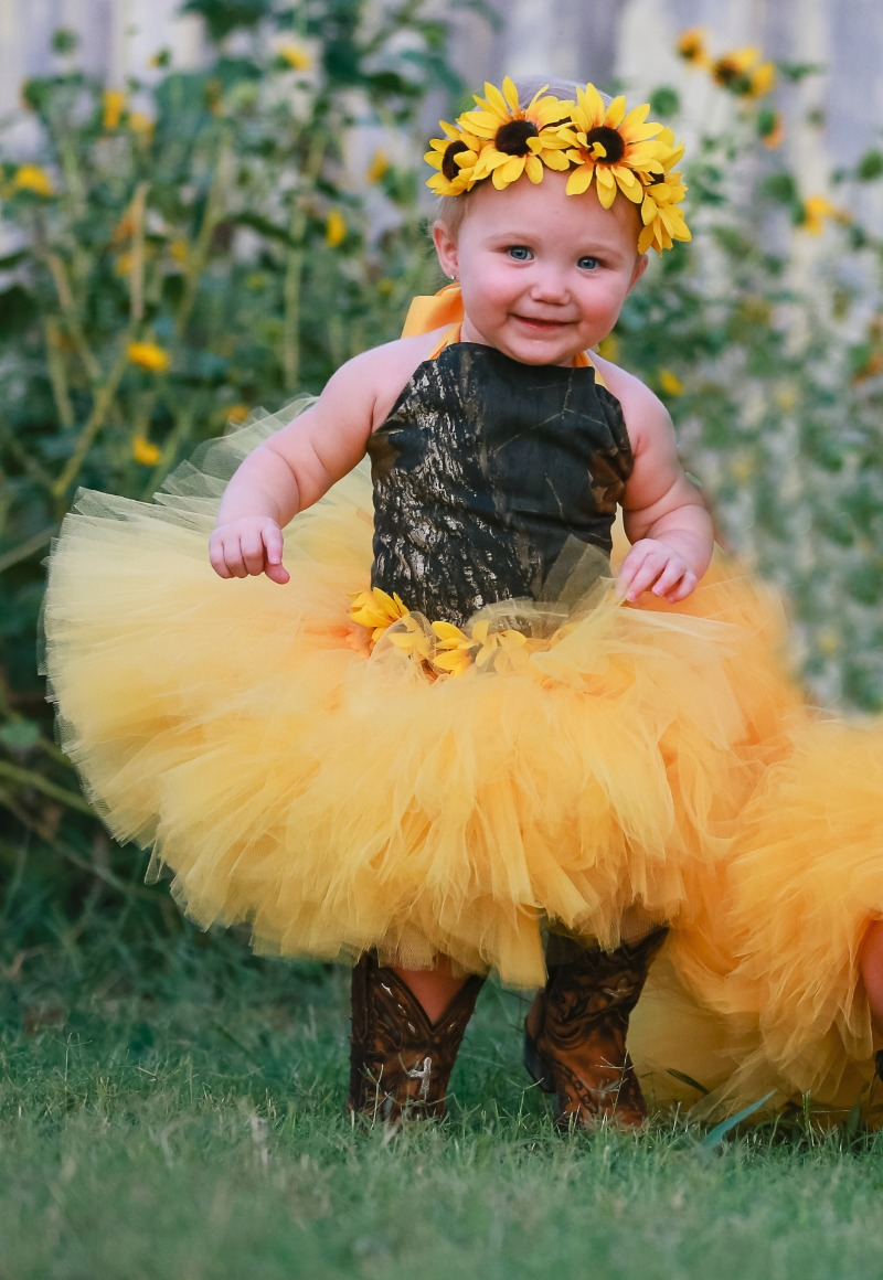 Mossy Oak camo and sunflowers! A perfect spring combination for your flowergirls...