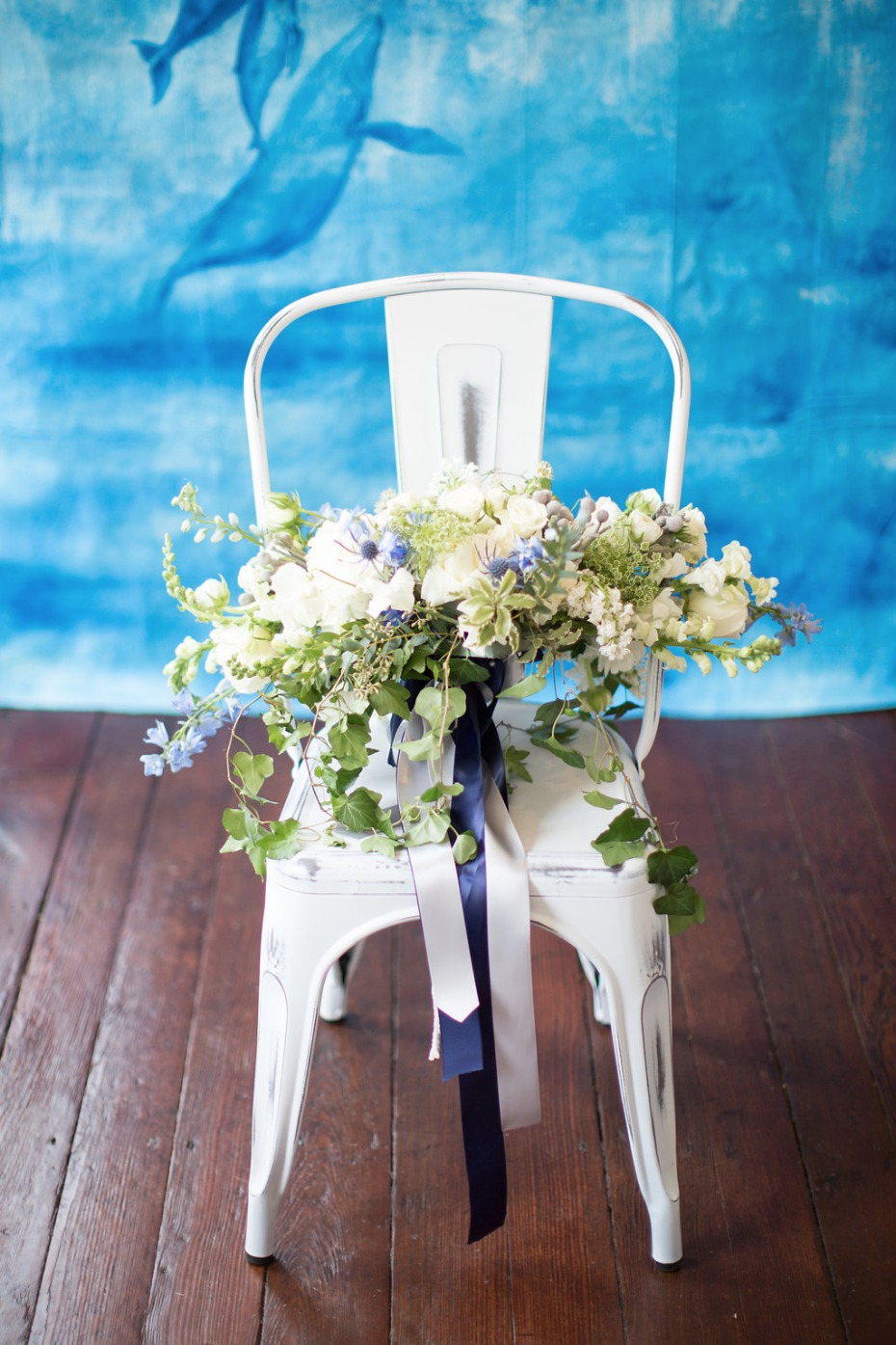 Blue and white bouquet with ribbons