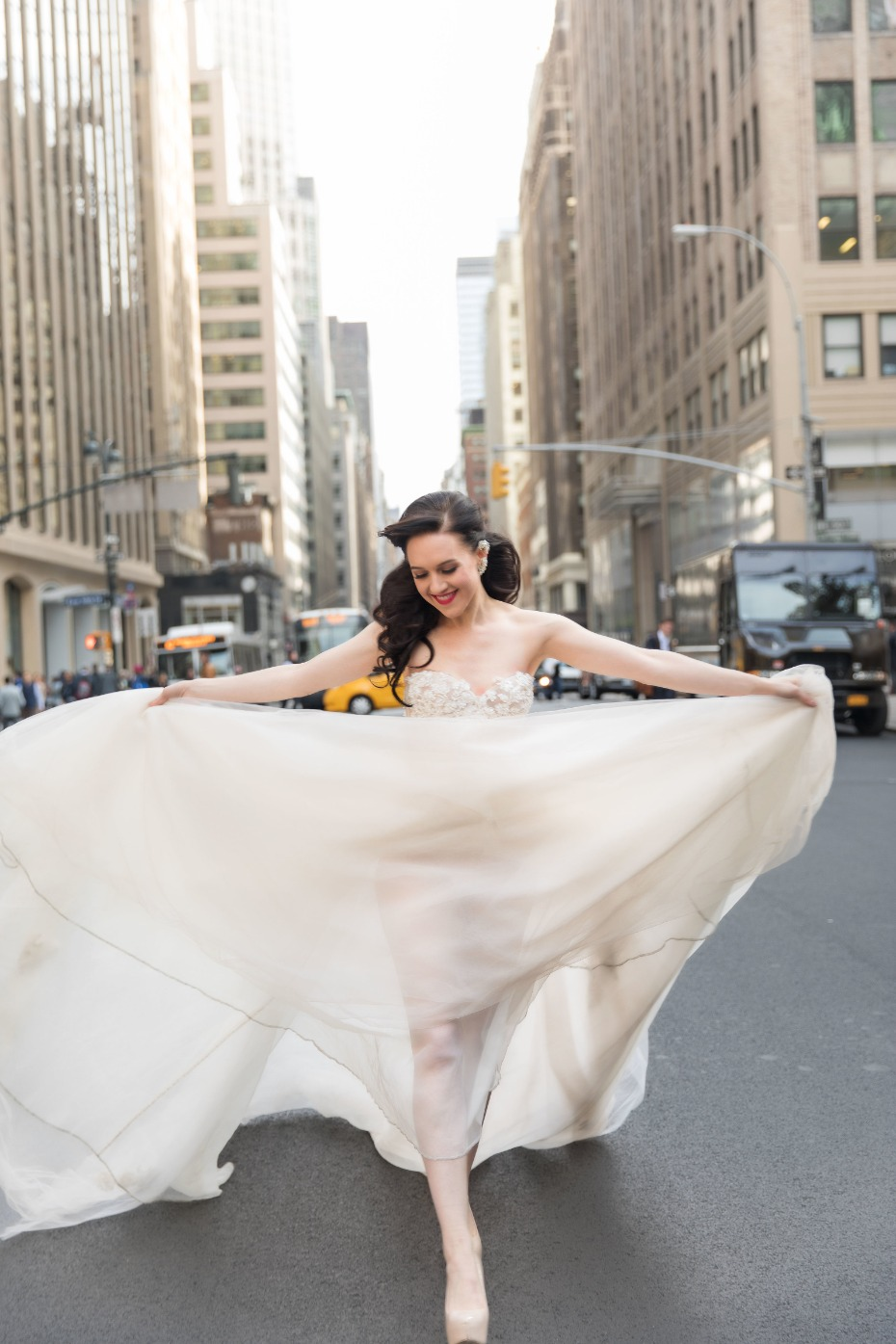 Lena Hall in a gorgeous Gali Lahav dress