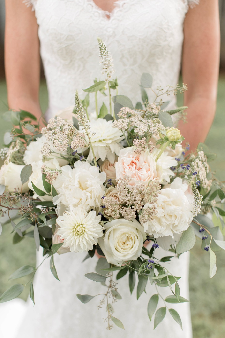 white and mint spring wedding bouquet