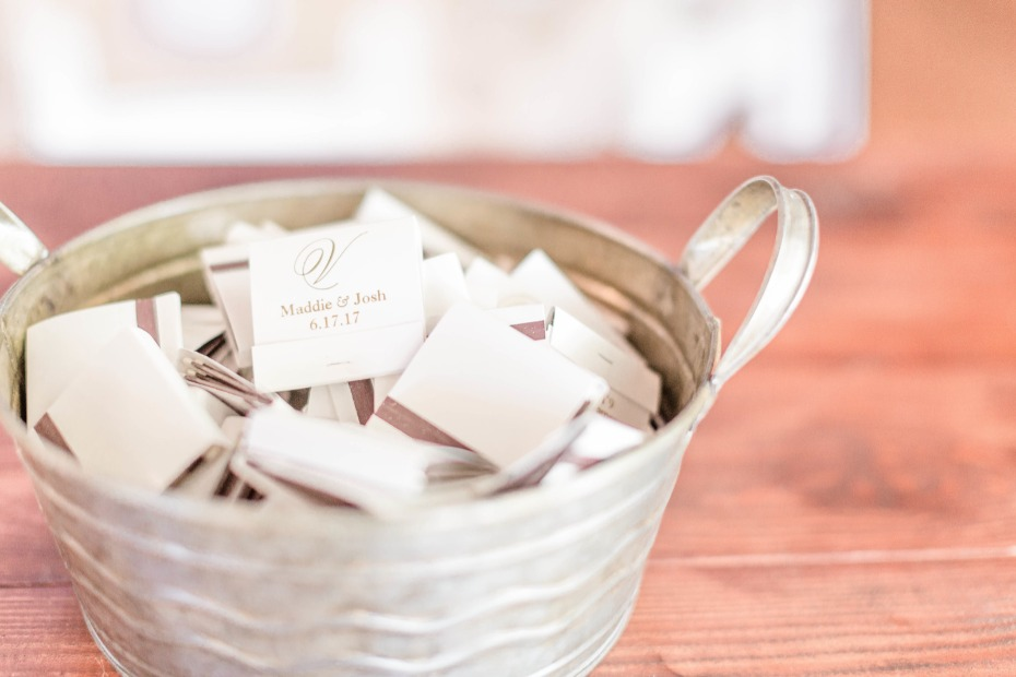 customized matches in metal bucket for guests to light sparklers