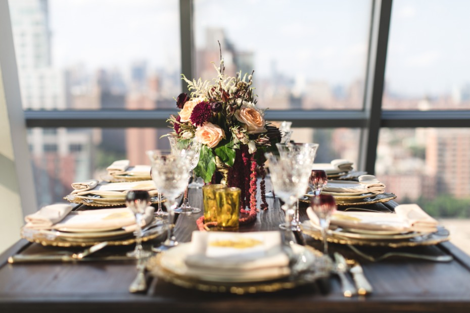 gold and burgundy fall wedding table