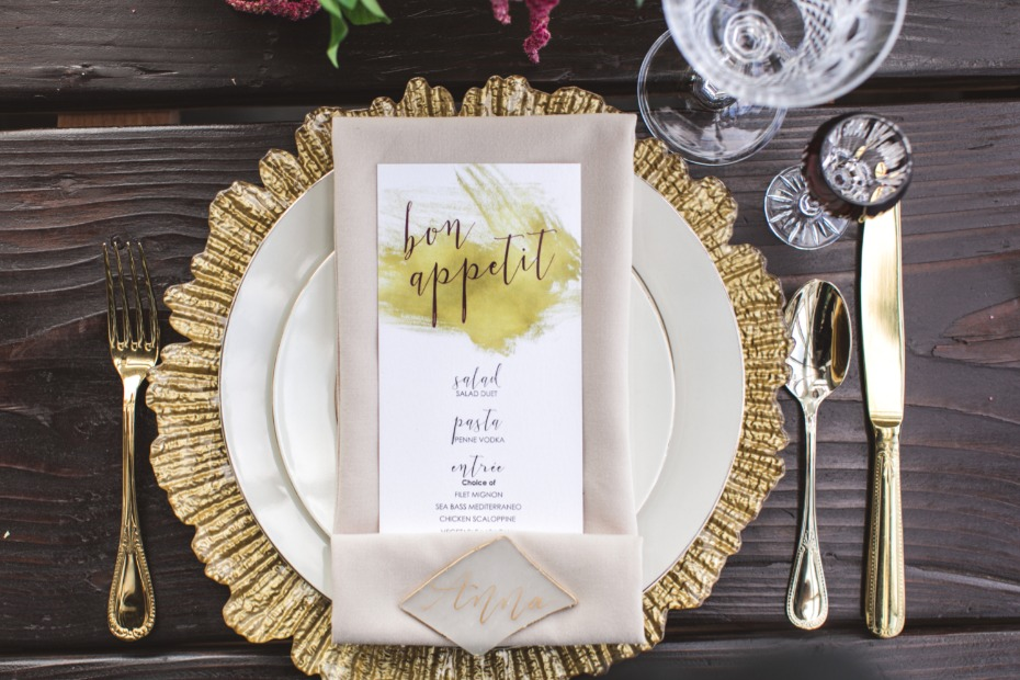 gold modern place setting
