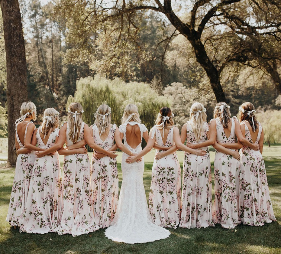 Super cute floral bridesmaid dresses - Buy this wedding dress at 50% off with Pre Owned Wedding dresses