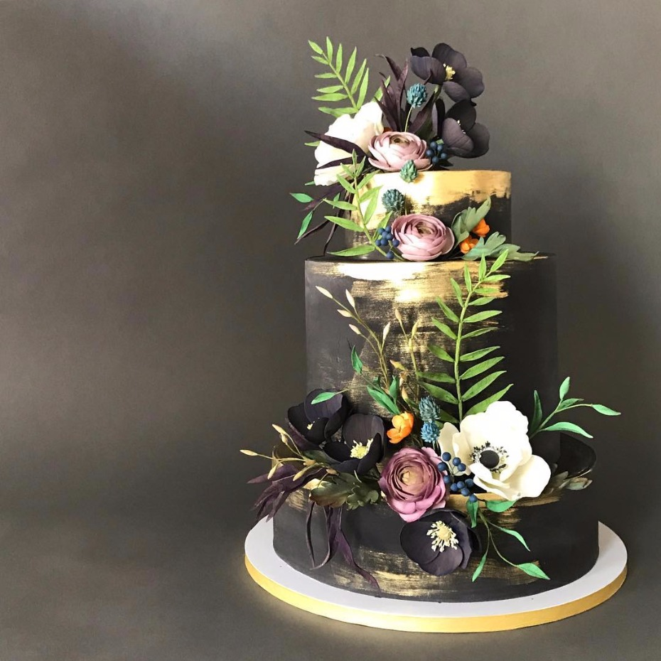 black wedding cake ideas