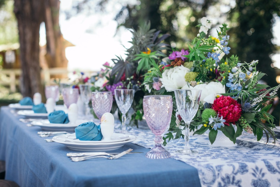 Beautiful vintage tablescape